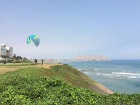 Paragliding lessons in Miraflores