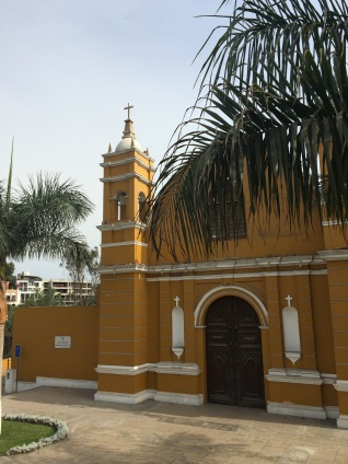 The Barranco Ermita Church was damaged by the 1940 earthquake and no longer functions