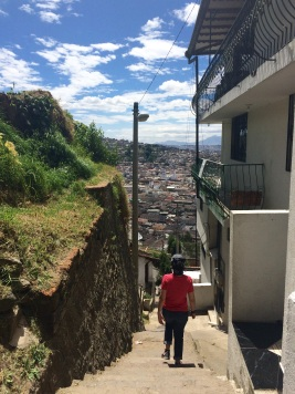 Descending from the 'Cerro El Panecillo'. We were later warned that this is a shady neighborhood, but we had no issues whatsoever...