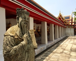 There are also many Chinese stone statues at the temple, which were originally used as ballast on ships trading with China