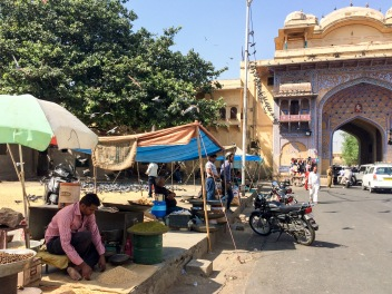 Street vendors near Jaipur's City Palace