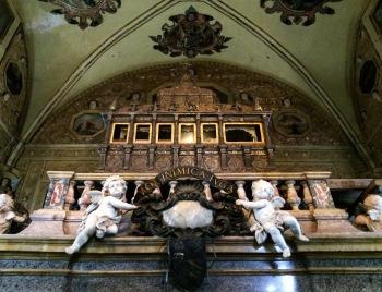 """Detail at """"Igreja de São Francisco"""""""