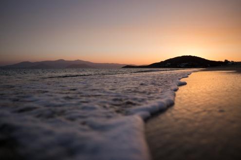Agios Prokopios beach, Naxos (16mm, 1/5400s, f1.4, ISO 200)