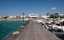 Harbour in Agios Prokopios, Naxos (16mm, 1/420s, f10, ISO 200)