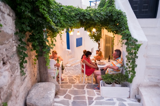 Having dinner in Chora, Naxos (16 mm, 1/60s, f1.4, ISO 1250)
