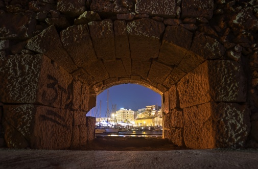 Heraklion's old Venetian harbour (16mm, 20s, f3.2, ISO 200)