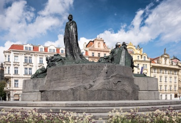 Jan Hus memorial, Prague (16mm, 1/350s, f10, ISO 200)