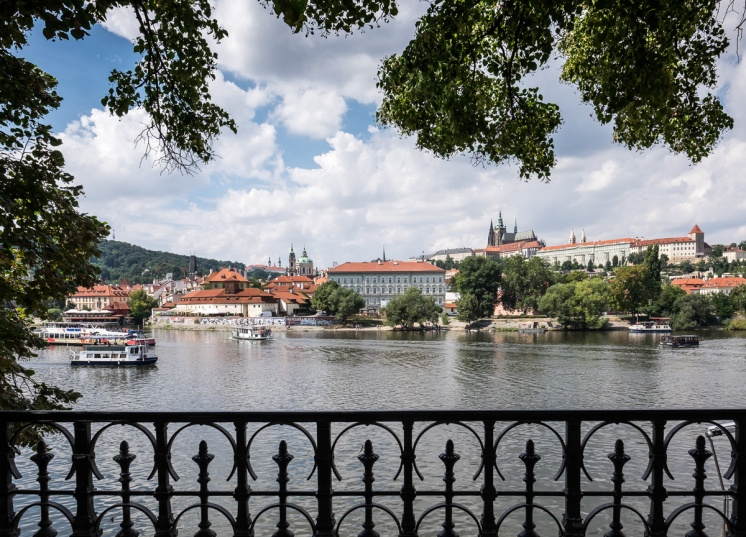 View over the Vltava river, Prague (16mm, 1/420s, f8, ISO 200)