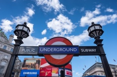 Underground at Piccadilly Circus, London, UK (16mm, 1/400s, f7.1, ISO 200)