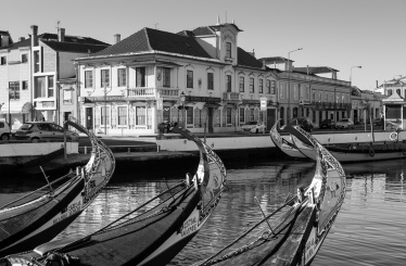 Aveiro canals, Portugal (35mm, 1/420s, f7.1, ISO 200)