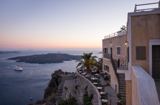 Twilight in Fira, Santorini (16mm, 1/150s, f1.4, ISO 200)