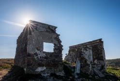 Ruins near Aljezur, Portugal (composite image, 16mm, 1/105s & 1/120s, f16, ISO 200)