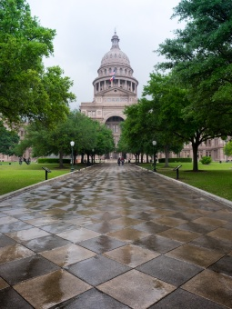Rainy day at the State Capitol, Austin, Texas (16mm, 1/240s, f5.6, ISO 200)