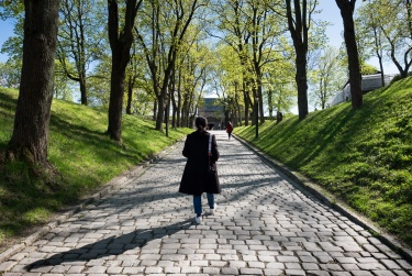 Jules and Gabriel at the Akershus Fortress, Oslo, Norway (16mm, f6.4 1/400s, ISO 200, PPL1-Corrected)