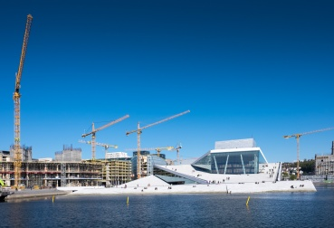 Oslo Opera House, Norway (16mm, f9, 1/350s, ISO 200, PPL1-Corrected)