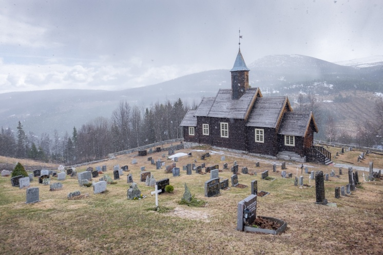 Sollia kirke, Norway (2-picture composite, 16mm, f5.6 & f7.1, 1/160s & 1/400s, ISO 200, PPL1-Corrected)