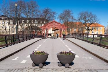 Old Town Bridge, Trondheim, Norway (35mm, f10, 1/350s, ISO 200, PPL1-Corrected)