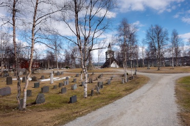 Røros cemetery, Norway (16mm, f8, 1/420s, ISO 200, PPL1-Corrected)