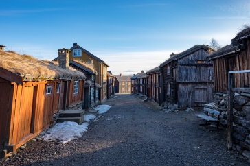 Røros mining houses, Norway (16mm, f5.6, 1/150s, ISO 200, PPL1-Corrected)