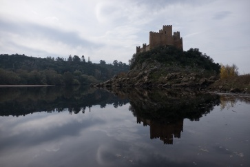 Before: Almourol Castle, Portugal (18mm, 1/1700s, f4.5, ISO 200, PPL0-Raw)