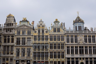 Before: Grand Place, Brussels, Belgium (35mm, f7.1, 1/450s, ISO 200, PPL0-Raw)