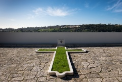 Prazeres Cemetery, Lisbon, Portugal (16mm, f10, 1/420s, ISO 200, PPL1-Corrected)