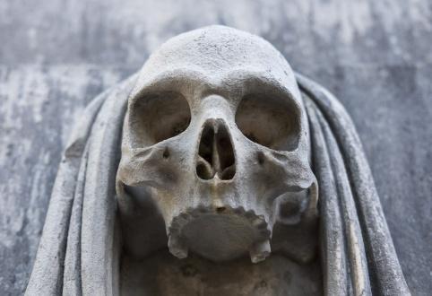 Prazeres Cemetery, Lisbon, Portugal (35mm, f2.8, 1/140s, ISO 200, PPL1-Corrected)