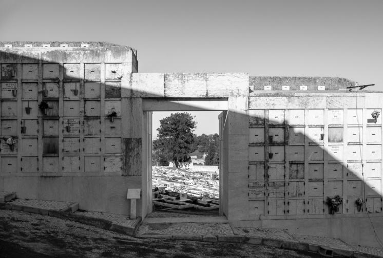 Alto de São João Cemetery, Lisbon, Portugal (18mm, f29 1/350s, ISO 200, PPL2-Enhanced)