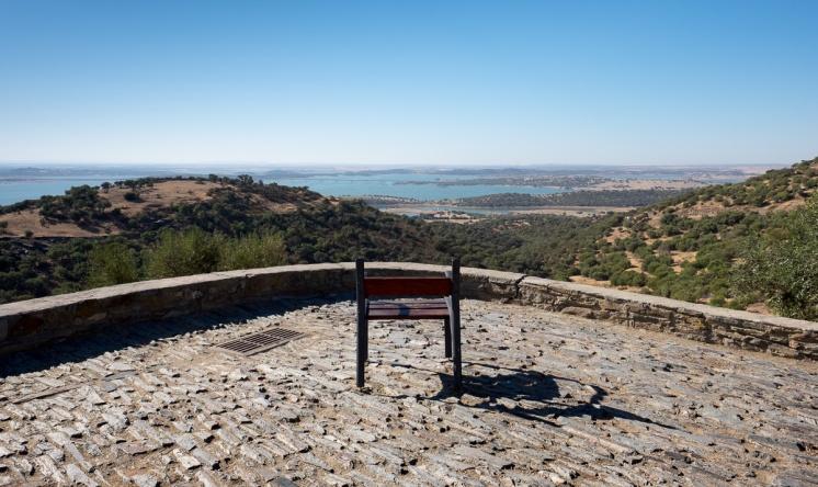 Monsaraz, Portugal (16mm, f8, 1/420s, ISO 200, PPL1-Corrected)