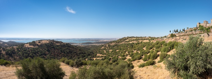 Monsaraz, Portugal (4-picture panorama, 16mm, f11, 1/350s, ISO 200, PPL2-Enhanced)