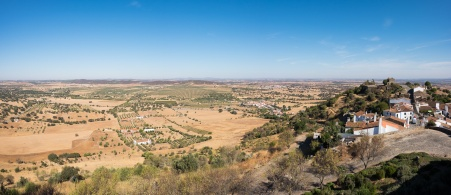 Monsaraz, Portugal (3-picture panorama, 16mm, f8, 1/450s, ISO 200, PPL2-Enhanced)