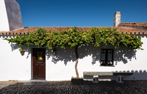 Monsaraz, Portugal (16mm, f11, 1/400s, ISO 200, PPL1-Corrected)