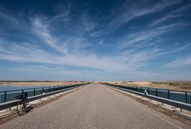 Alqueva bridge, Portugal (16mm, f11, 1/350s, ISO 200, PPL1-Corrected)