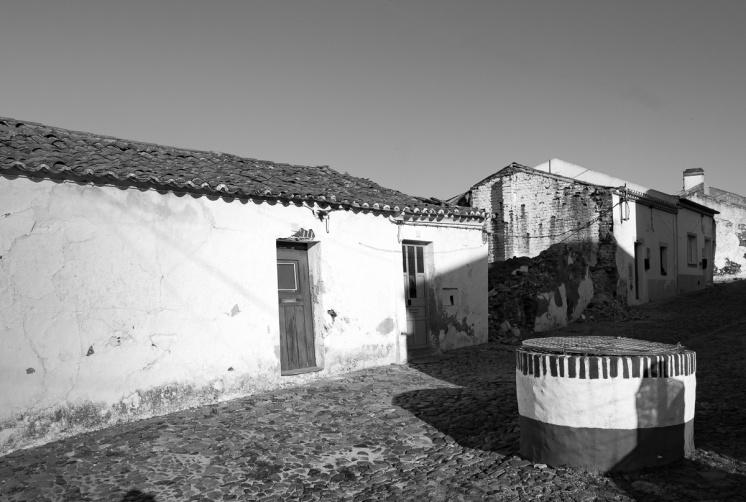 Torrão, Portugal (16mm, f9, 1/420s, ISO 200, PPL3-Altered)