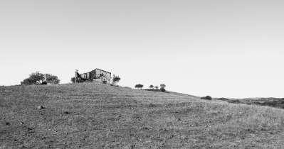House ruins near Alte, Algarve, Portugal (16mm, f9, 1/350s, ISO 200, PPL2-Enhanced)