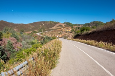 Near Odelouca Creek, Algarve, Portugal (16mm, f8, 1/400s, ISO 200, PPL1-Corrected)