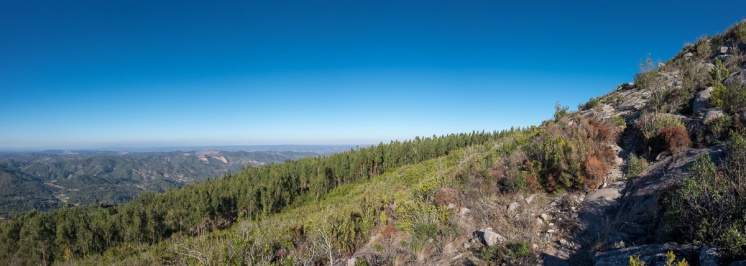 Near Picota, Algarve, Portugal (4-picture panorama, 16mm, f10, 1/400s, ISO 200, PPL3-Altered)