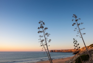Sunrise at Sagres, Algarve, Portugal (16mm, f5, 1/150s, ISO 200, PPL1-Corrected)