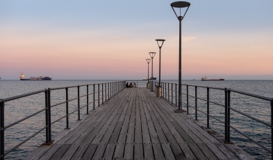 Limassol promenade, Cyprus (23mm, f4, 1/100s, ISO 200, PPL3-Altered)
