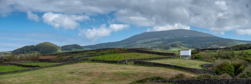 Terceira, Azores (3-picture panorama, 50mm, f5.6, 1/900s, ISO 200, PPL2-Enhanced)