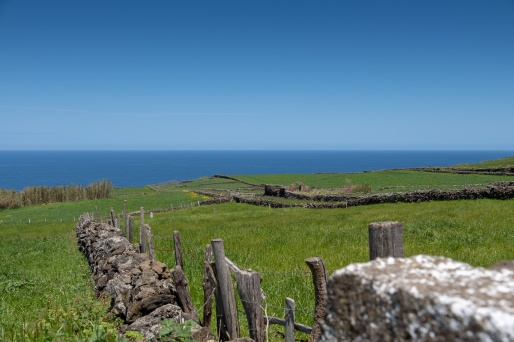 Terceira, Azores (25mm, f5.6, 1/950s, ISO 200, PPL1-Corrected)