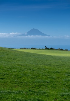 Pico mountain view from São Jorge, Azores, Portugal (45mm, f5.6, 1/1000s, ISO 200, PPL3-Altered)