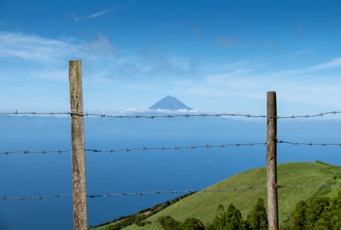 Pico mountain view from São Jorge, Azores, Portugal (30mm, f5.6, 1/1100s, ISO 200, PPL1-Corrected)
