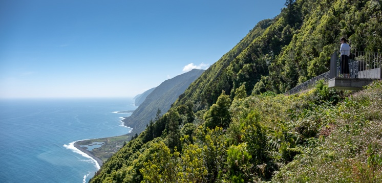 Fajã dos Cubres, São Jorge, Azores, Portugal (2-picture panorama, 18mm, f5.6, 1/680s, ISO 200, PPL2-Enhanced)