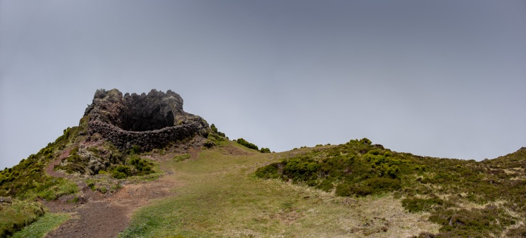 Pico Mountain, Azores (3-picture panorama, 18mm, f5.6, 1/1250s, ISO 200, PPL2-Enhanced)