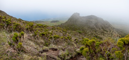 Pico Mountain, Azores (2-picture panorama, 18mm, f5.6, 1/600s, ISO 200, PPL2-Enhanced)