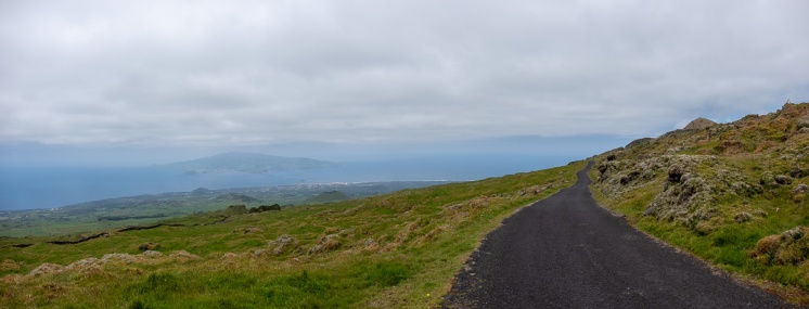 Pico, Azores (5-picture panorama, 18mm, f5.6, 1/1000s, ISO 200, PPL2-Enhanced)