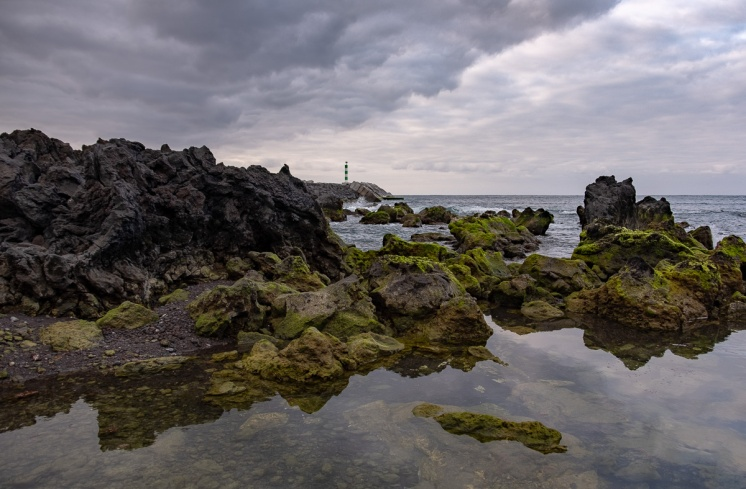 Madalena, Pico, Azores (2-picture composite, 18mm, f5.6, 1/340s, ISO 200, PPL2-Enhanced)