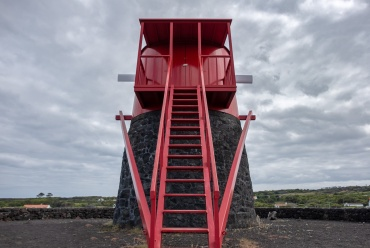 Windmill, Pico, Azores (3-picture composite, 18mm, f10, 1/600s, ISO 200, PPL2-Enhanced)