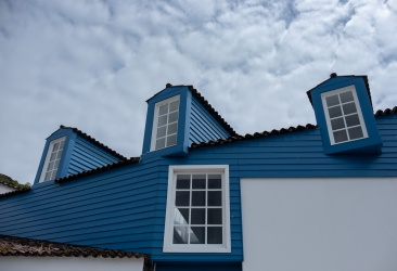 Whaler's Museum, Pico, Azores (18mm, f6.4, 1/1500s, ISO 200, PPL1-Corrected)